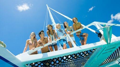 Catamaran Trompoline Net from below bow sailing